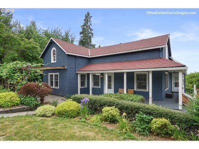 Oregon City Single Family Home For Sale: 1831 Davis Rd
