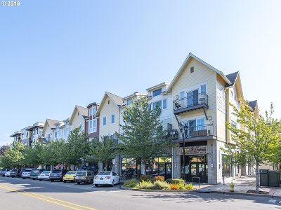 Milwaukie, Gladstone Condo/Townhouse For Sale: 10606 SE Main St #218