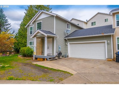 Single Family Home For Sale: 38363 Barlow Pkwy