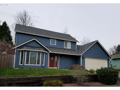 Newberg Single Family Home For Sale: 227 Hilltop Dr