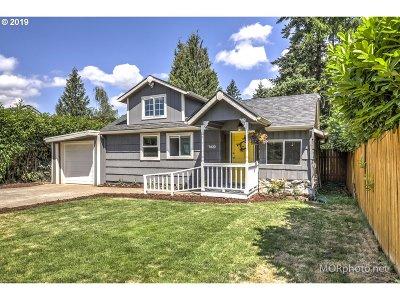 Multnomah County Single Family Home For Sale: 7633 SE Glenwood St