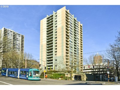 Condo/Townhouse For Sale: 111 SW Harrison St #12E