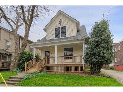 Portland Single Family Home For Sale: 18 NE Sacramento St