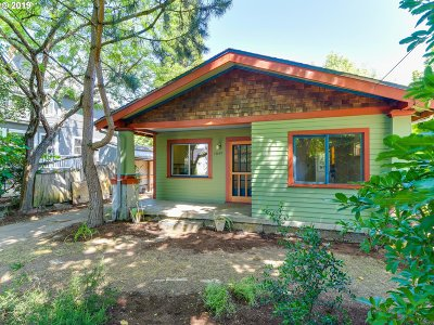 Portland Single Family Home For Sale: 3649 SE Francis St