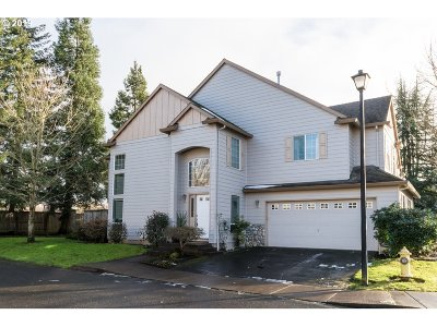 Tualatin Condo/Townhouse For Sale: 22020 SW Grahams Ferry Rd #D