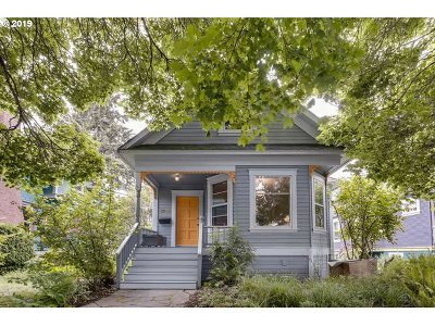 Single Family Home For Sale: 3726 SE Morrison St