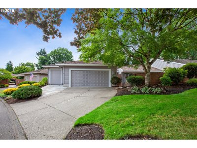 Wilsonville Single Family Home For Sale: 7310 SW Lake Bluff Ct