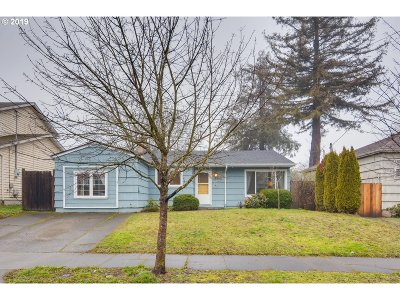Multnomah County Single Family Home For Sale: 8805 N Fiske Ave