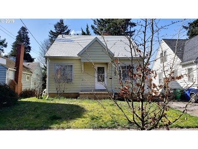 Portland Single Family Home For Sale: 1723 NE 60th Ave