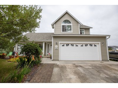 Bandon Single Family Home For Sale: 1137 Three Wood Dr