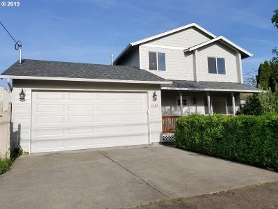 Portland Single Family Home For Sale: 2412 SE 89th Ave