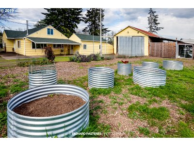Forest Grove Single Family Home For Sale: 1220 NW Porter Rd