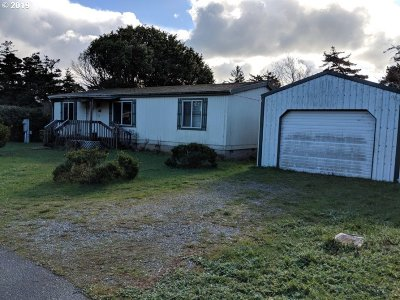 Port Orford Single Family Home For Sale: 647 Eleventh St