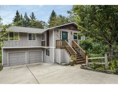 Lake Oswego, West Linn Single Family Home For Sale: 19422 View Dr