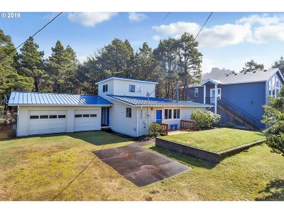 Single Family Home For Sale: 25905 Nedonna Ave
