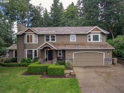 Milwaukie Single Family Home For Sale: 16565 SE Warnock Ln