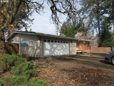 Portland Single Family Home For Sale: 75 SW 90th Ave