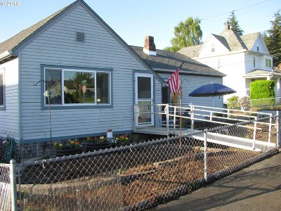 Coquille Single Family Home For Sale: 596 E 11th St