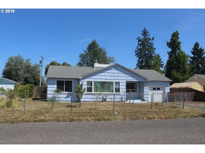 Springfield Single Family Home For Sale: 583 33rd St