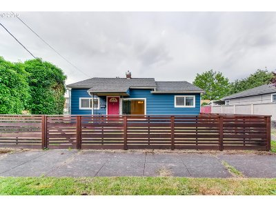 Portland Single Family Home For Sale: 820 NE 73rd Ave