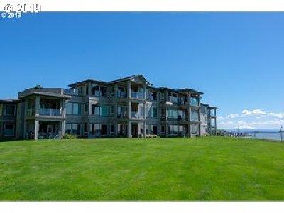 Vancouver Condo/Townhouse For Sale: 5401 SE Scenic Ln #300