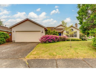 Single Family Home For Sale: 17490 SW Waterleaf Ln