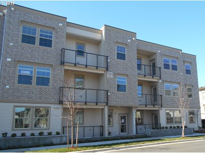 Wilsonville, Canby, Aurora Condo/Townhouse For Sale: 28615 SW Paris Ave #302