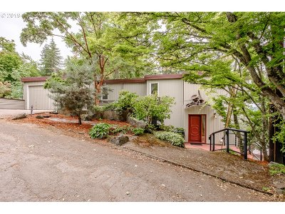 Eugene Single Family Home For Sale: 1688 Westover Dr
