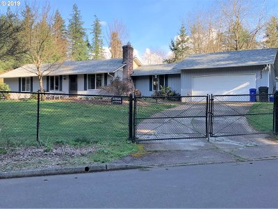 Clackamas County Single Family Home For Sale: 14290 S Firethorne Ct