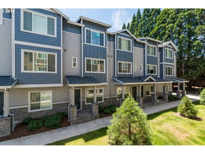 Hillsboro Condo/Townhouse For Sale: 115 NE 80th Ave