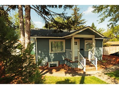 Portland Single Family Home For Sale: 6019 SE 97th Ave