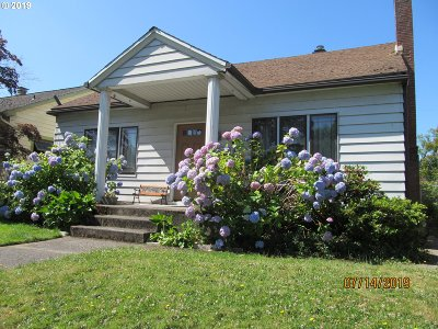 Portland Single Family Home For Sale: 2229 SE Cypress Ave