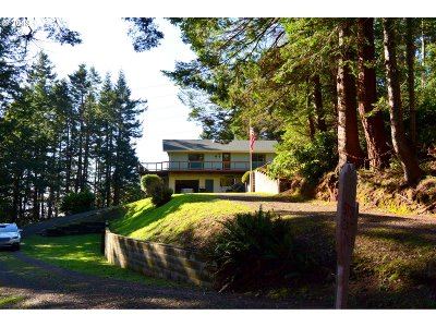 Gold Beach Single Family Home For Sale: 94286 Berry Rd