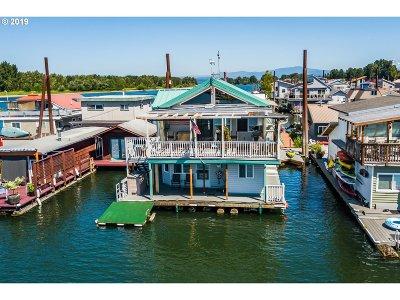 Portland Single Family Home For Sale: 18989 NE Marine Dr #76