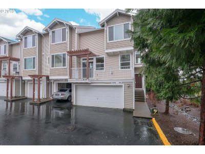 Beaverton Condo/Townhouse For Sale: 8580 SW 147th Ter #104