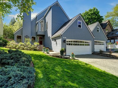 Lake Oswego Single Family Home For Sale: 48 Oriole Ln