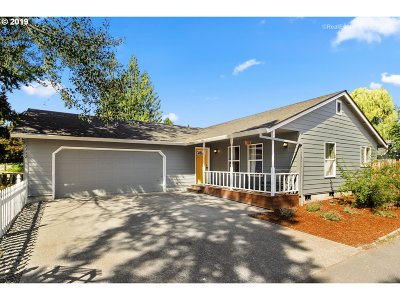 Newberg Single Family Home For Sale: 1312 N College St