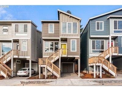 Beaverton, Aloha Single Family Home For Sale: 12111 SW Tesla Ter