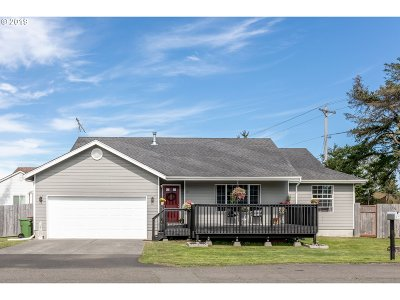 Warrenton Single Family Home For Sale: 27 NW 4th St