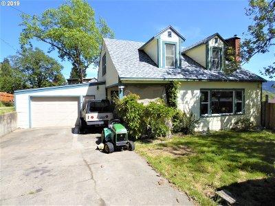 Myrtle Creek Single Family Home For Sale: 917 NE Orchard Dr