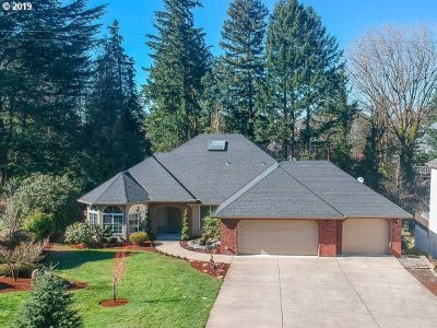 Portland Single Family Home For Sale: 3779 SW 96th Ave