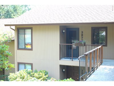 Eugene Condo/Townhouse For Sale: 3877 Colony Oaks Dr