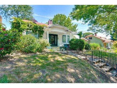 Multnomah County Single Family Home For Sale: 2346 SE 58th Ave