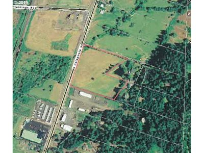 Sutherlin Residential Lots & Land For Sale: 946 S Calapooia St