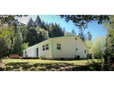 Coos Bay Single Family Home For Sale: 61624 Old Wagon Rd