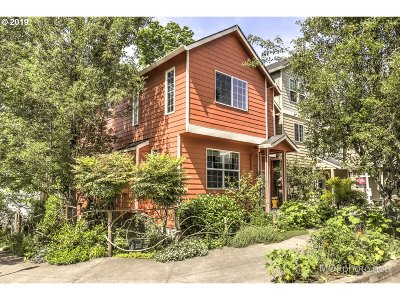Single Family Home For Sale: 9912 N Decatur St