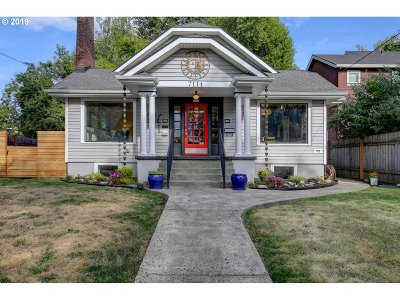 Single Family Home For Sale: 7114 N Mohawk Ave