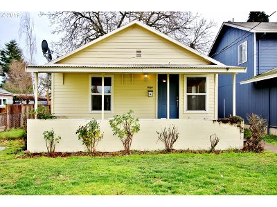 Portland Single Family Home For Sale: 9302 N Chicago Ave