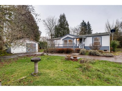 Multnomah County, Clackamas County, Washington County, Clark County, Cowlitz County Single Family Home For Sale: 4430 NE 56th Ave