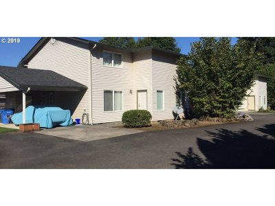 Washougal Multi Family Home For Sale: 831 H St